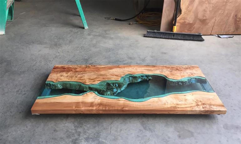 river-glass-table