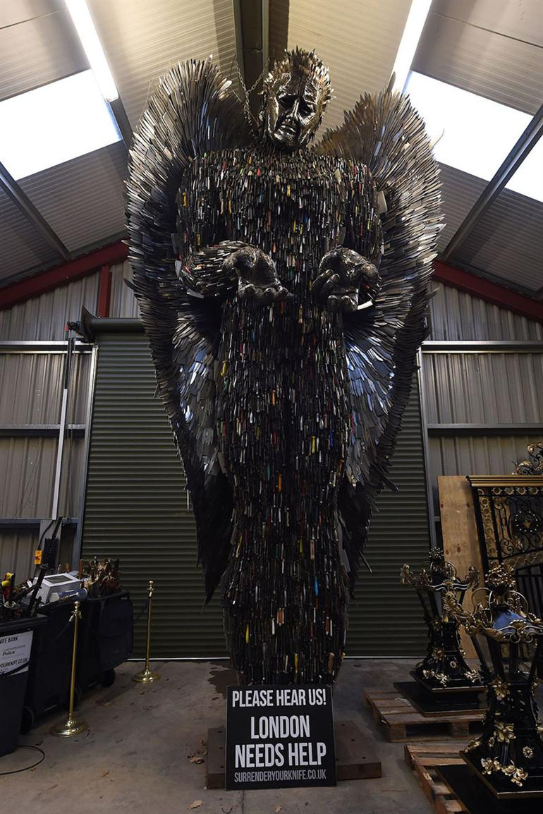 giant-knife-angel-sculpture