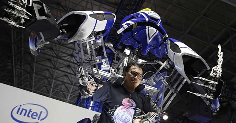 figureheads-robot-in-real-life