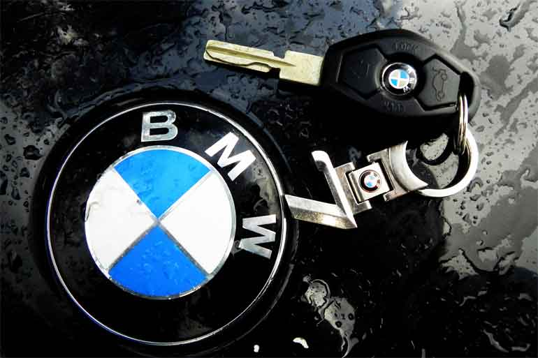 bmw-says-car-keys-may-be-replaced-by-mobile-phone-app