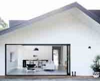 modern-gable-white-and-black-house