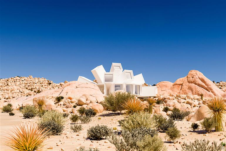 container-house-joshua-tree-residence