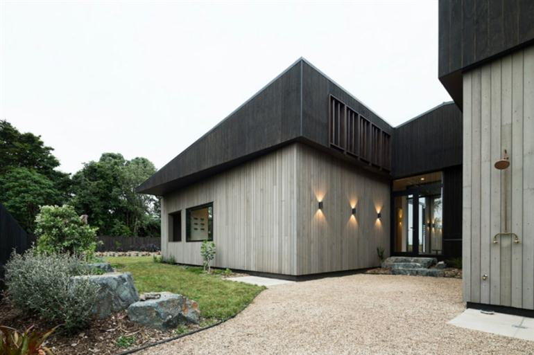 large-modern-house-dark-tone