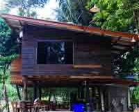 thai-wood-house-with-basement
