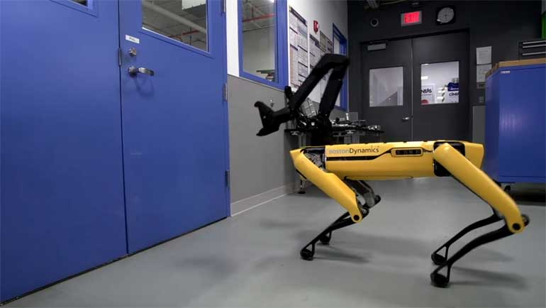 boston-dynamics-spotmini-robot