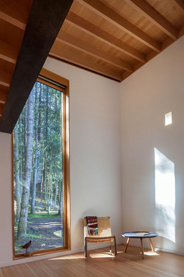 wooden-house-minimal-and-loft-style