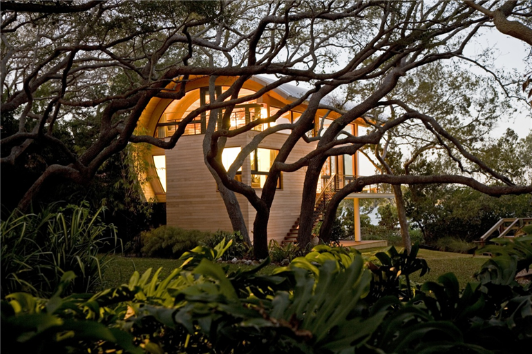 guest-house-by-totems-architecture
