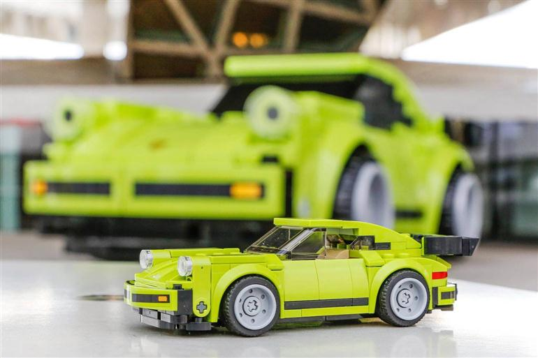 porsche-911-turbo-out-of-lego-bricks-full-size