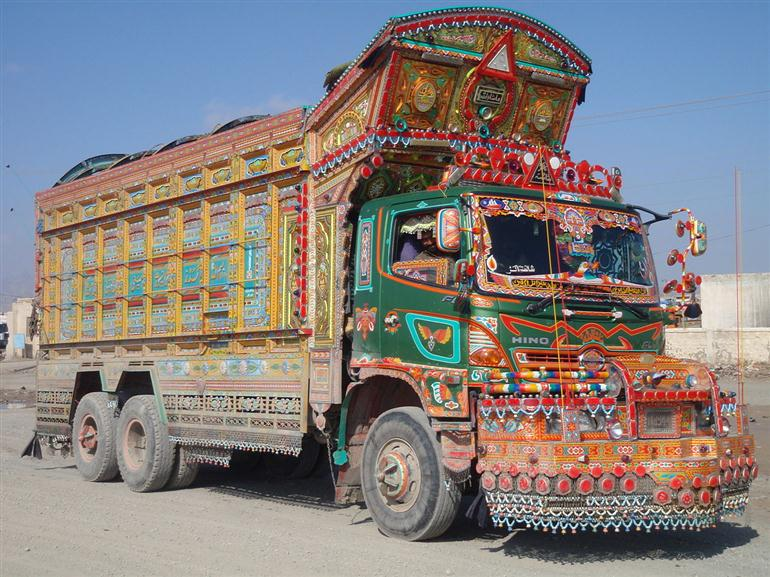 trucks-of-pakistan