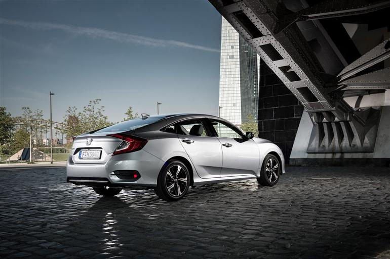 honda-civic-sedan-first-sale-in-uk