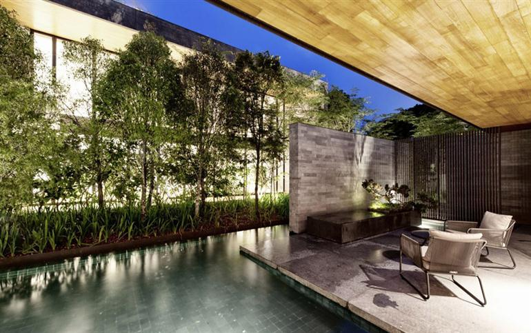 house-with-underground-courtyard-and-rooftop-gardens