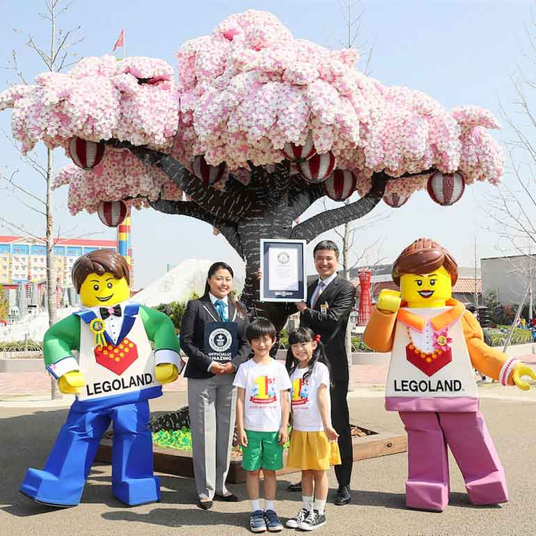 largest-lego-brick-cherry-blossom-tree