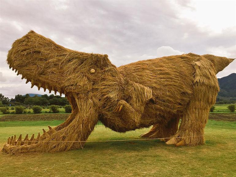 straw-sculptures