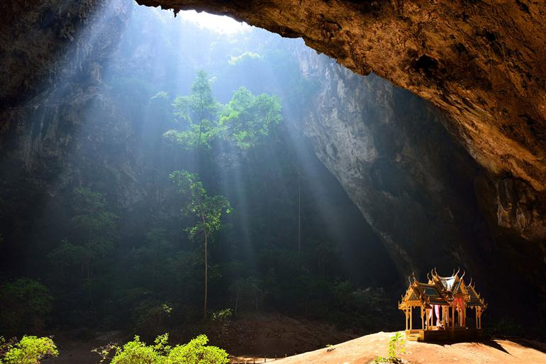 10-most-amazing-caves