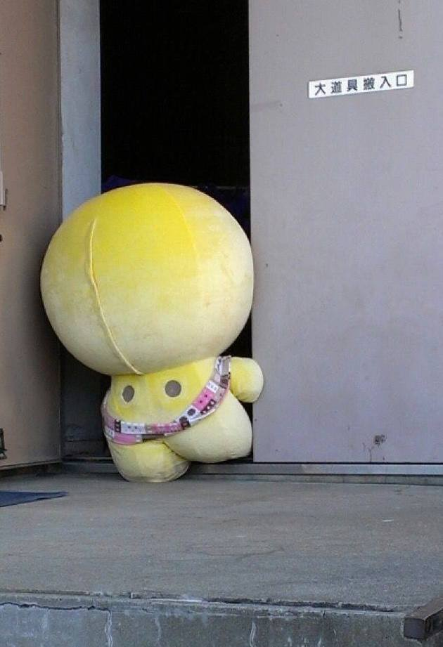 difficult-life-of-mascot-in-japan