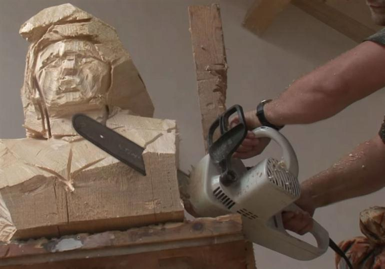 wood-scuptures-chainsaw
