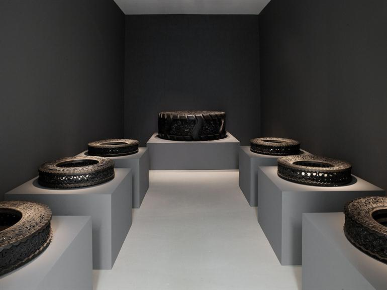 carved-tyres-by-wim-delvoye