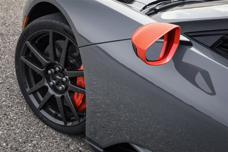 ford-gt-2019-carbon-series