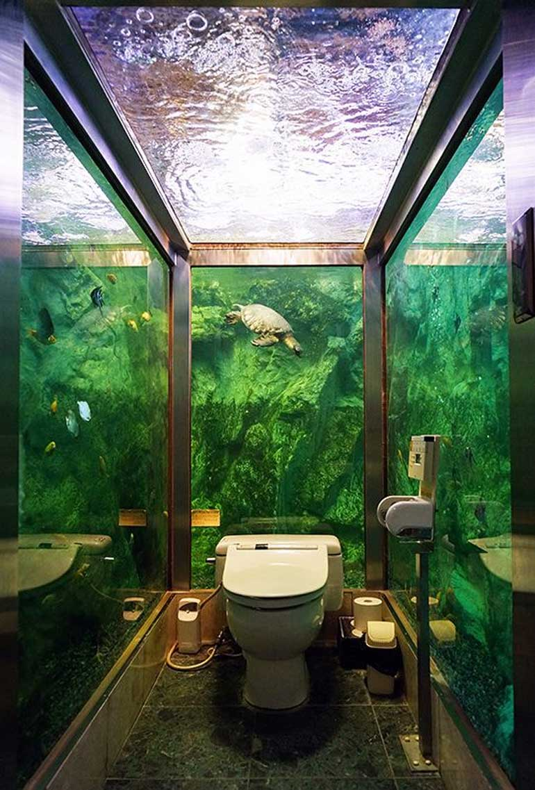 aquarium-toilet-in-japan