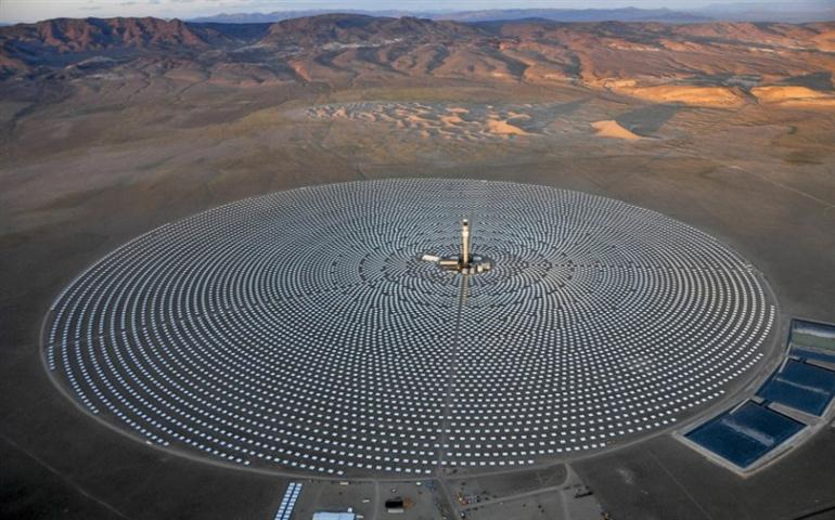 the-crescent-dunes-solar-energy-plant